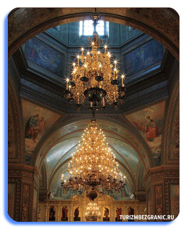 Внутреннее убранство Собора Боголюбской иконы Божией Матери