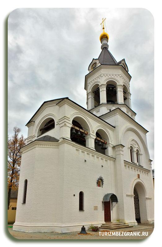 Колокольня со звонницей и престолом Александра Невского в Богородице Рождественском монастыре Владимира