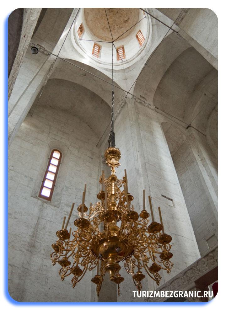 Своды церкви Покрова на Нерли