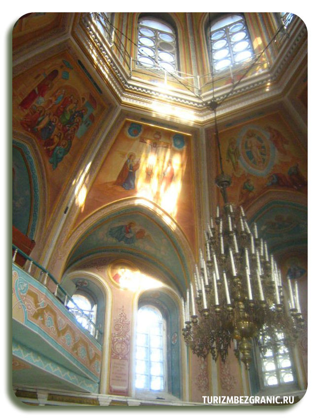 Внутреннее убранство церкви Михаила Архангела во Владимире