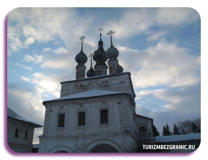 Пятиглавый Михайло-Архангельский собор в Юрьеве-Польском