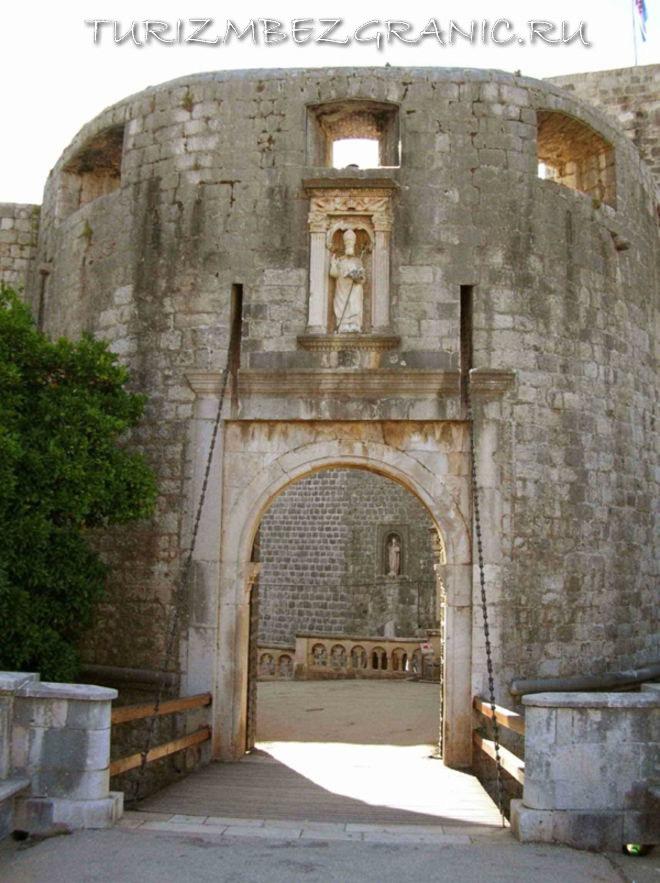 Ворота Пиле, Дубровник