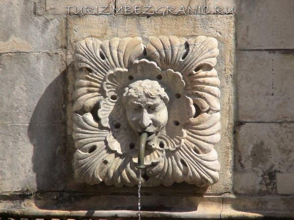 Большой фонтан онофрио, Дубровник