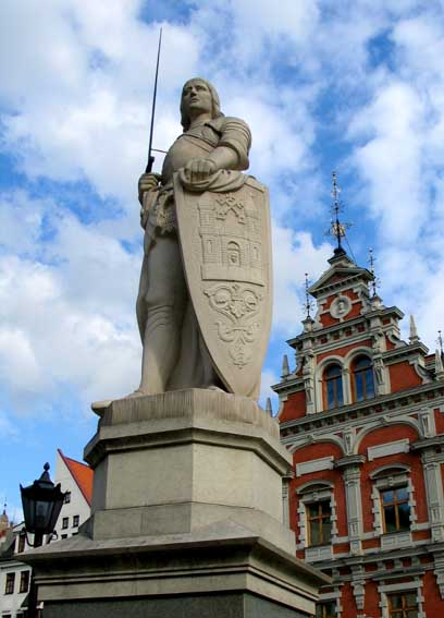 Статуя Роланду в Риге