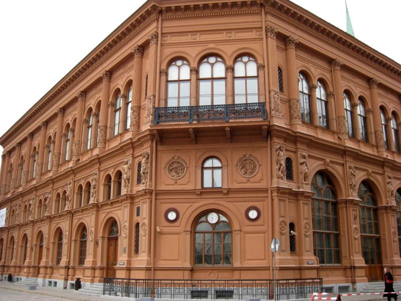 Здание рижской биржи