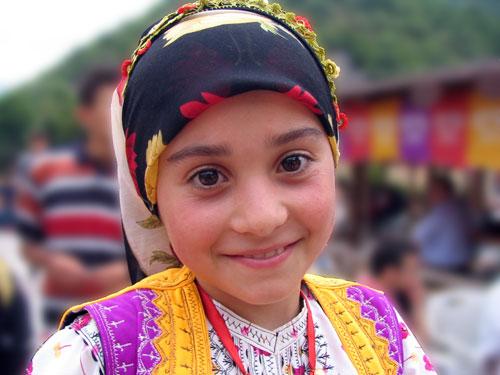 Турецкая девочка в костюме