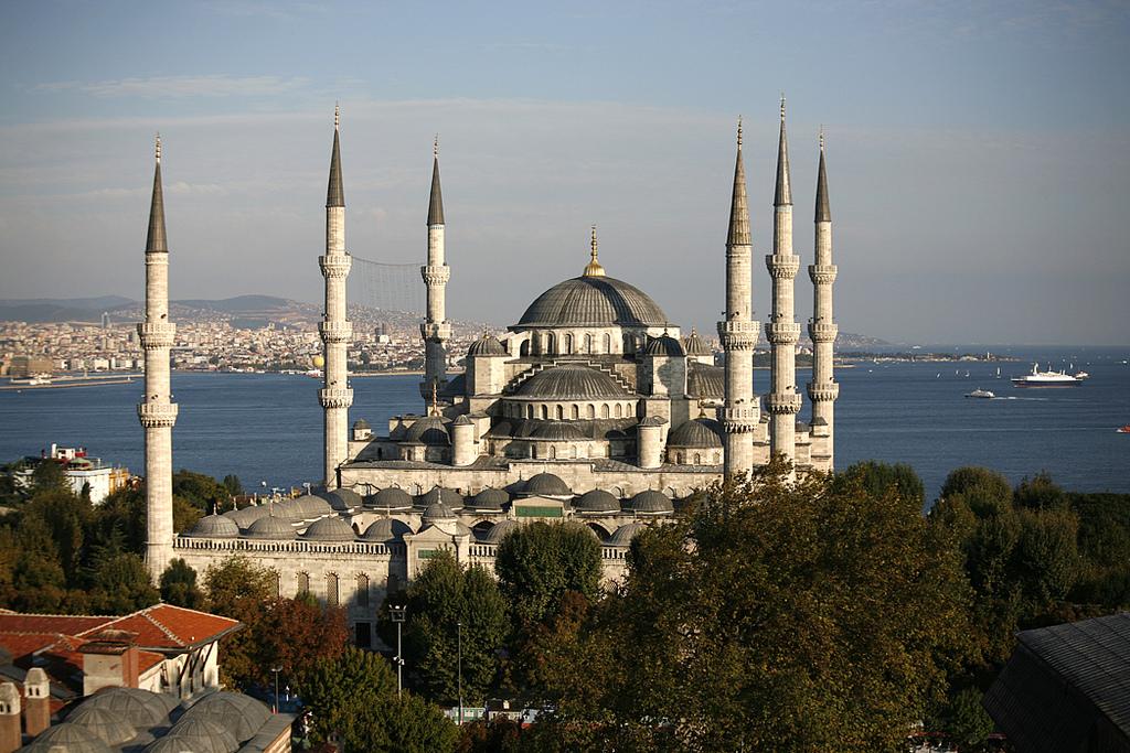 голубая мечеть Султана Ахмета в Стамбуле