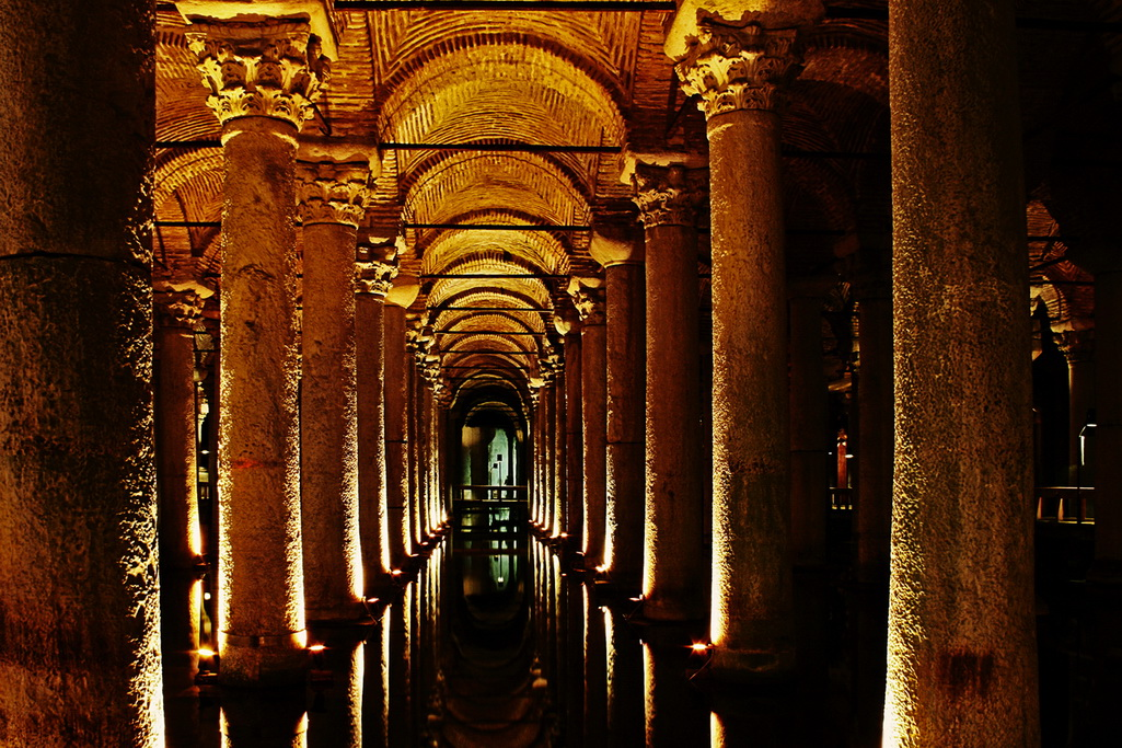 Дворец Цистерна в Стамбуле