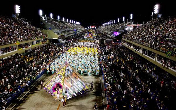 Самбодром в Рио де жанейро во время карнавала