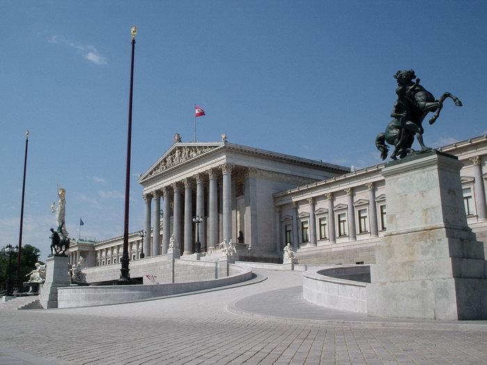 что посмотреть в Вене, здание парламента в Вене