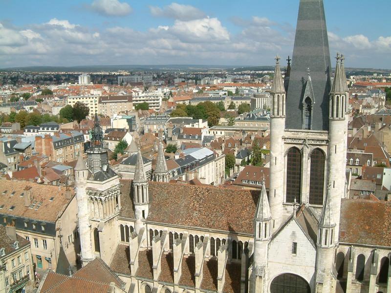 Панорама Дижона и собор Нотр Дам